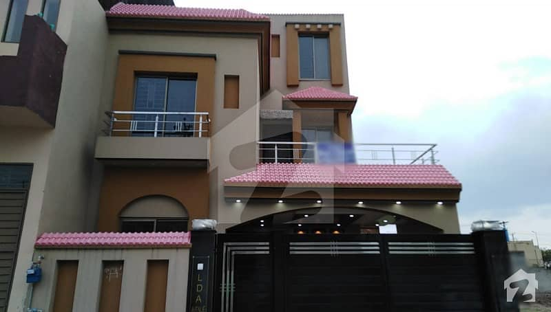 10 Marla Brand New House Is Available For Sale In J Block Of LDA Avenue