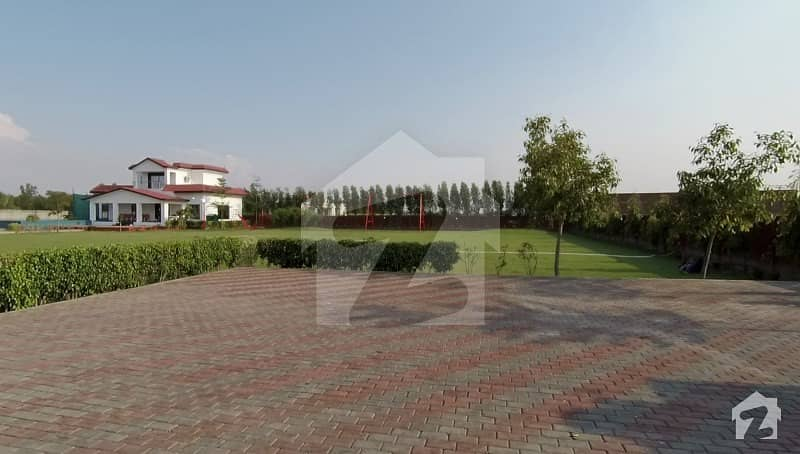 9 Kanal Furnished Luxury Farm House For Rent