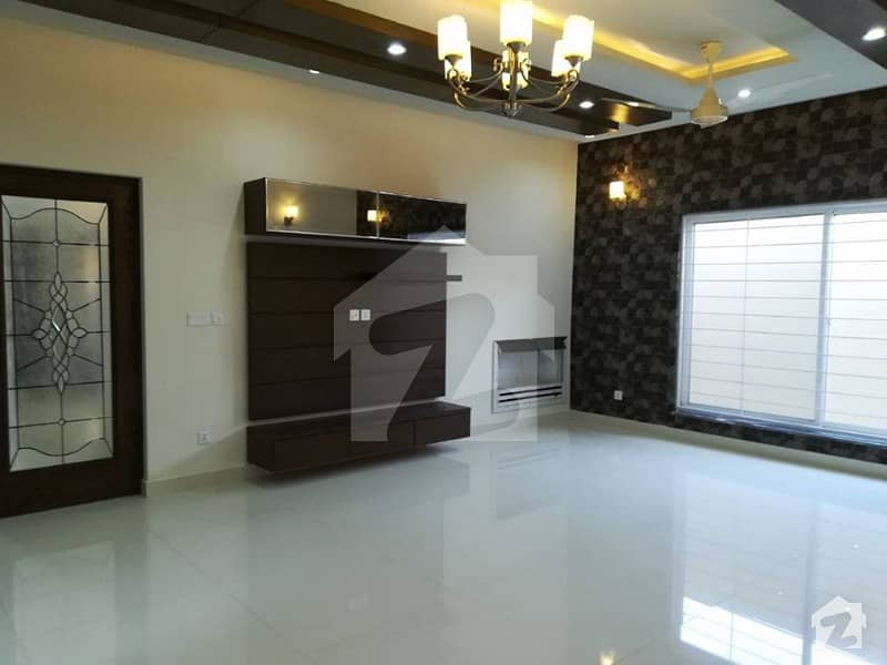 Modern Location 10 Marla House For Rent In Dha Lahore Phase 4