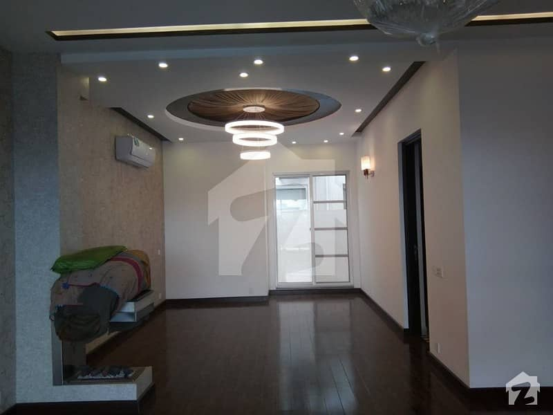 Prime Location 10 Marla 4 Beds House For Rent In Dha Lahore