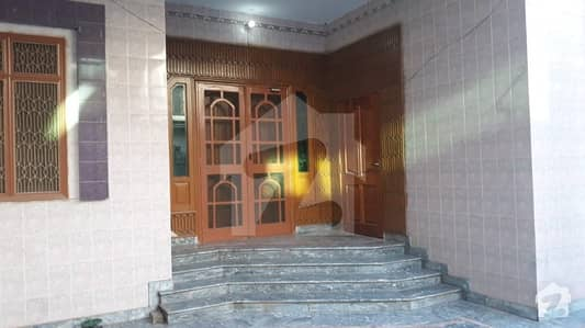 10 marla corner house is available near 1122 buttar road rana town