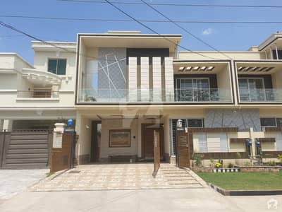 10 Marla Duplex House 65 Feet Road Near Park Market And Mosque Solid Construction Luxury House Very Hot Location