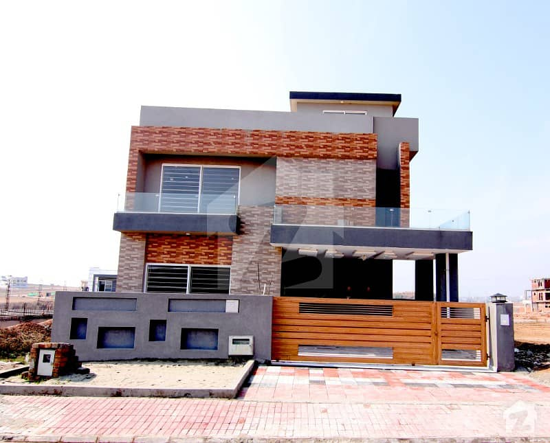 10 Marla House At Reasonable Price