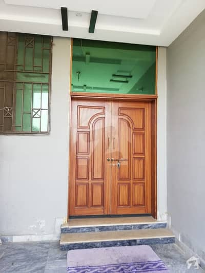 E18 GULSHANESEHAT 200 Sy yds House for sale