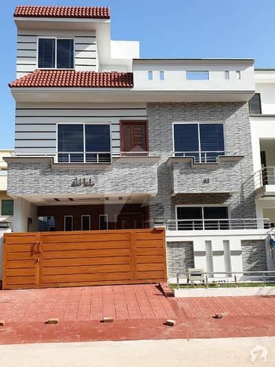 3060 BRAND NEW DESIGNER HOUSE FOR SALE