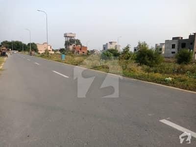 پیر سوہاوا روڈ پیر سوہاوا اسلام آباد میں 800 کنال کمرشل پلاٹ 80 کروڑ میں برائے فروخت۔