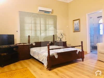 Executive Paying Guest Room For Rent In 2000 Sq Yard