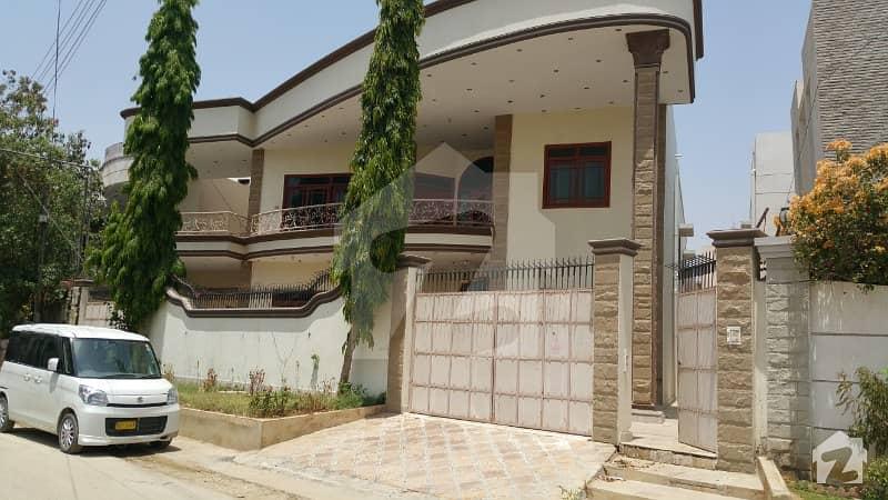 گلستانِِ جوہر ۔ بلاک 14 گلستانِ جوہر کراچی میں 8 کمروں کا 1.5 کنال مکان 5.5 کروڑ میں برائے فروخت۔