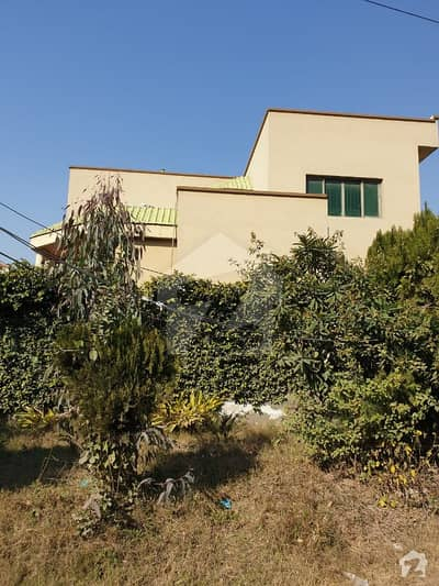 1 Kanal Well Maintained House For Sale