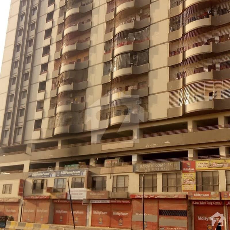 لیاقت آباد کراچی میں 3 کمروں کا 11 مرلہ فلیٹ 1.2 کروڑ میں برائے فروخت۔