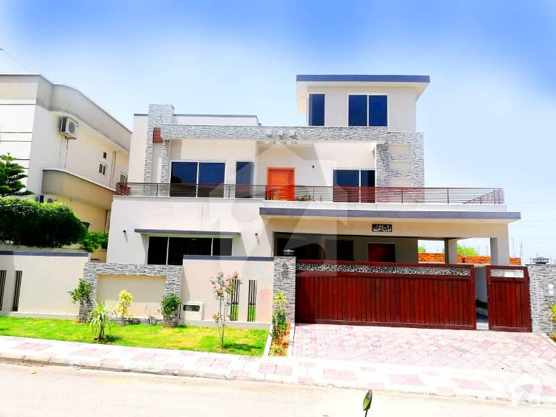 1 Kanal New Bungalow For Sale