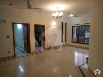 E-11/3 Multi Nice And Prime Location 1 Kanal New Architect Style Ground Portion For Rent Real Images