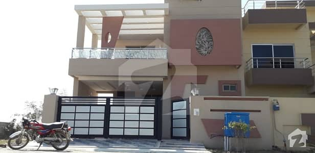 10 Marla Lavish Brand New House With Basement For Sale In Lake City Lahore