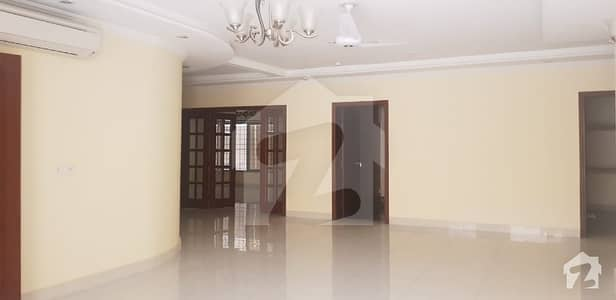 Upgraded Latest Design House With Open Basement In F7