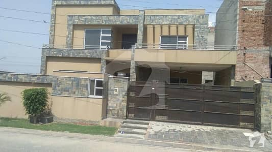"""1 kanal  house available for sale in Tech Town Block """"F"""" Tech Town main  Satiana Road Faisalabad"""