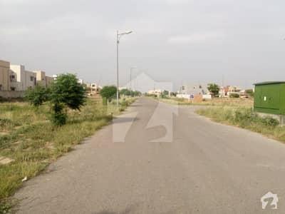 اسٹیٹ لائف فیز 1 - بلاک بی اسٹیٹ لائف ہاؤسنگ فیز 1 اسٹیٹ لائف ہاؤسنگ سوسائٹی لاہور میں 3 کنال رہائشی پلاٹ 6.25 کروڑ میں برائے فروخت۔