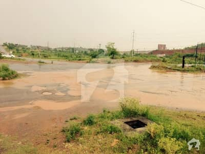 30x50 Commercial plot for sale in mumtaz city