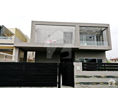 1 Kanal Brand New Luxury House At Prime Location Near To Park