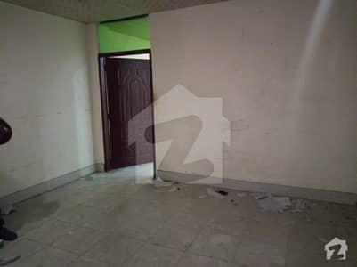 2nd floor flat available for bachelor's boys