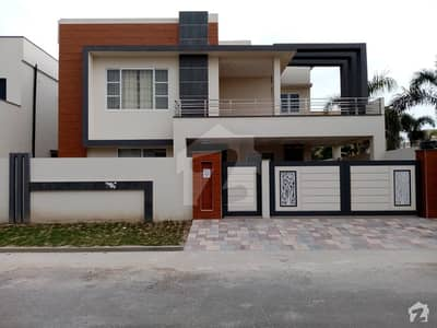 10 Marla House For Rent In Phase 2