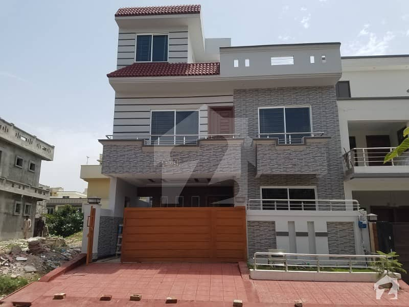 30x60 Brand New House For Sale