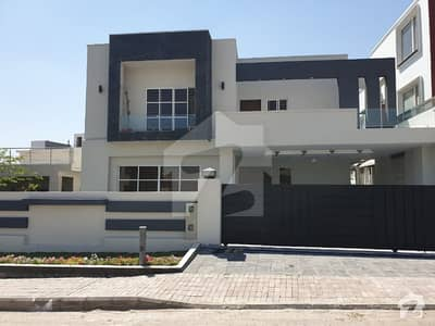 1Kanal Beautiful Brand New  5 Bedroom House For Sale