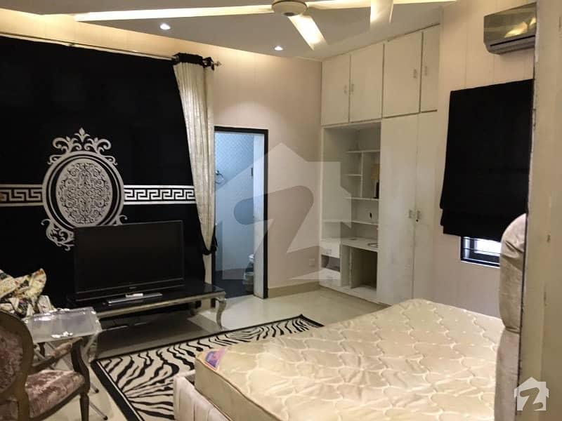 سرور روڈ کینٹ لاہور میں 1 کمرے کا 1 کنال کمرہ 30 ہزار میں کرایہ پر دستیاب ہے۔