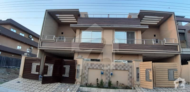 10 Marla Brand New House For Sale Near Park Market And Main Road