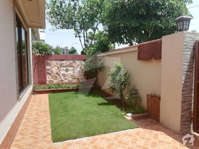 10 Marla Slightly Used Bungalow For Sale
