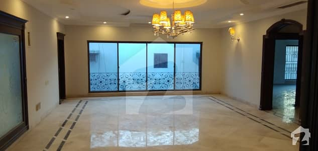 2 Kanal Bungalow For Rent In Phase 3 Dha Lahore