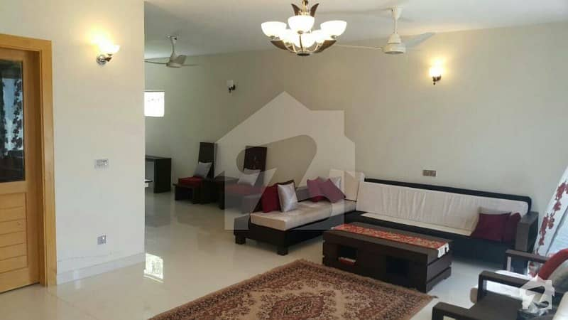 Fully Furnished 2 Beds Luxury Apartment