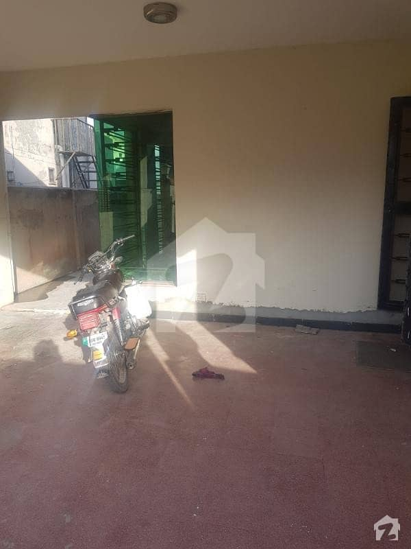 عسکری 7 راولپنڈی میں 3 کمروں کا 12 مرلہ مکان 2.4 کروڑ میں برائے فروخت۔