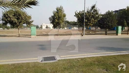 10 Marla Plot For Sale In Bahria Town Lahore