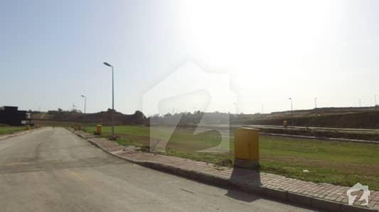 ڈی ایچ اے ڈیفینس فیز 3 ڈی ایچ اے ڈیفینس اسلام آباد میں 8 مرلہ رہائشی پلاٹ 66 لاکھ میں برائے فروخت۔
