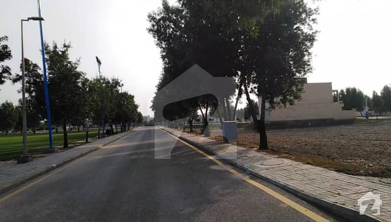 Super Hot Location 8 Marla Plot For Sale In Bahria Orchard Phase 1