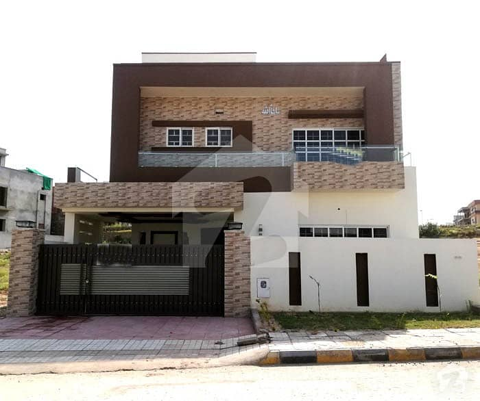 Bahria Town Phase 8 B Block 10 Marla Double Unit House  For Sale