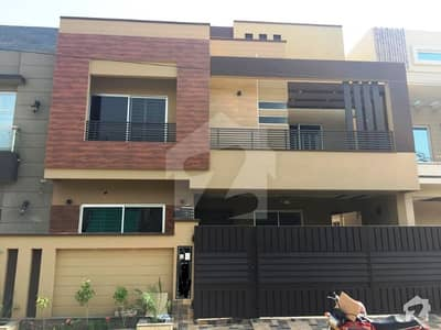 10 Marla Solid Brand New Bungalow Is Up For Sale On 60 Feet Road