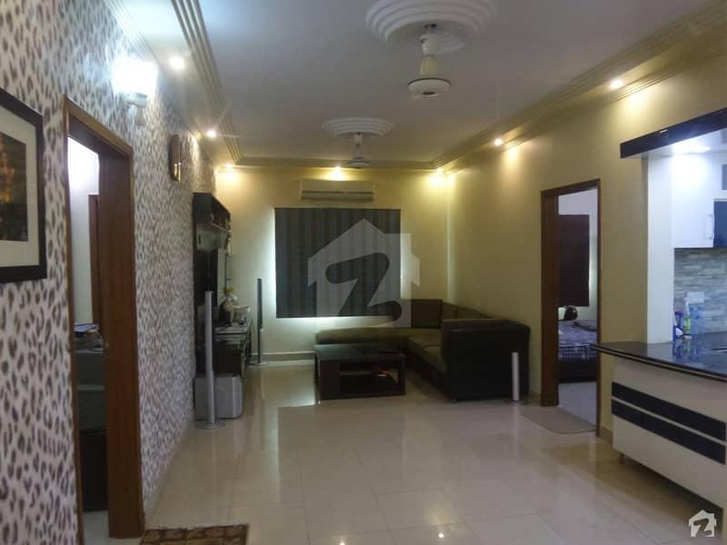 کلفٹن ۔ بلاک 4 کلفٹن کراچی میں 3 کمروں کا 12 مرلہ فلیٹ 3.7 کروڑ میں برائے فروخت۔