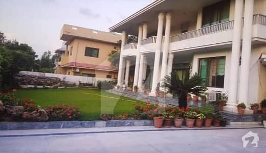 F-10 1022 Yards 6 Bed Room House  For Sale