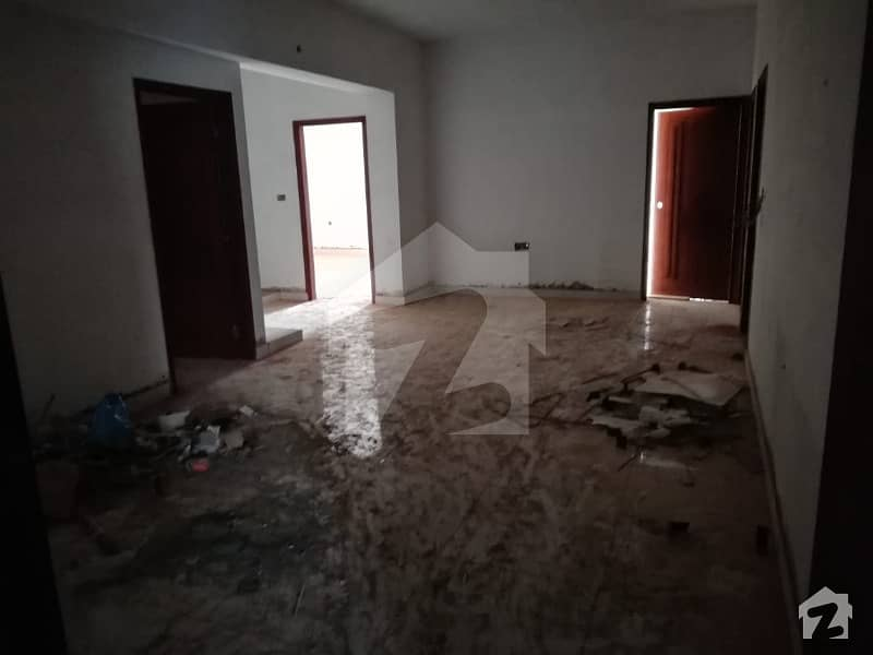 Well Maintained Apartment For Sale 3 Bedrooms