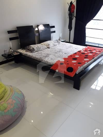 1 Furnished Room ideal for Females Students or job Holders
