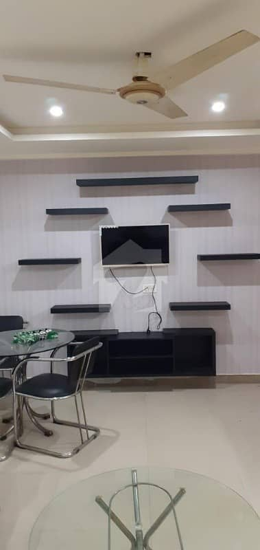 1 Outclass furnished Room available for Students  Job Holders