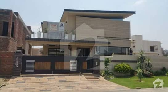Kanal  Luxurious  Bungalow For Rent Located Dha Phase 6 H Block
