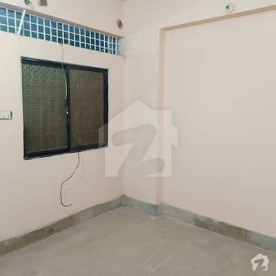 2 Beds Lounge 1st Floor  Flat For Sale