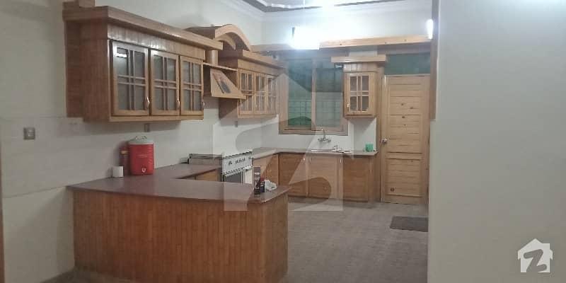 گلستانِِ جوہر ۔ بلاک 12 گلستانِ جوہر کراچی میں 3 کمروں کا 16 مرلہ مکان 3.5 کروڑ میں برائے فروخت۔