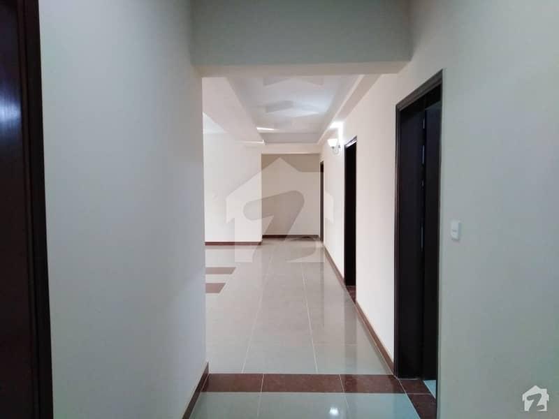 عسکری 5 ملیر کنٹونمنٹ کینٹ کراچی میں 3 کمروں کا 12 مرلہ فلیٹ 3.05 کروڑ میں برائے فروخت۔