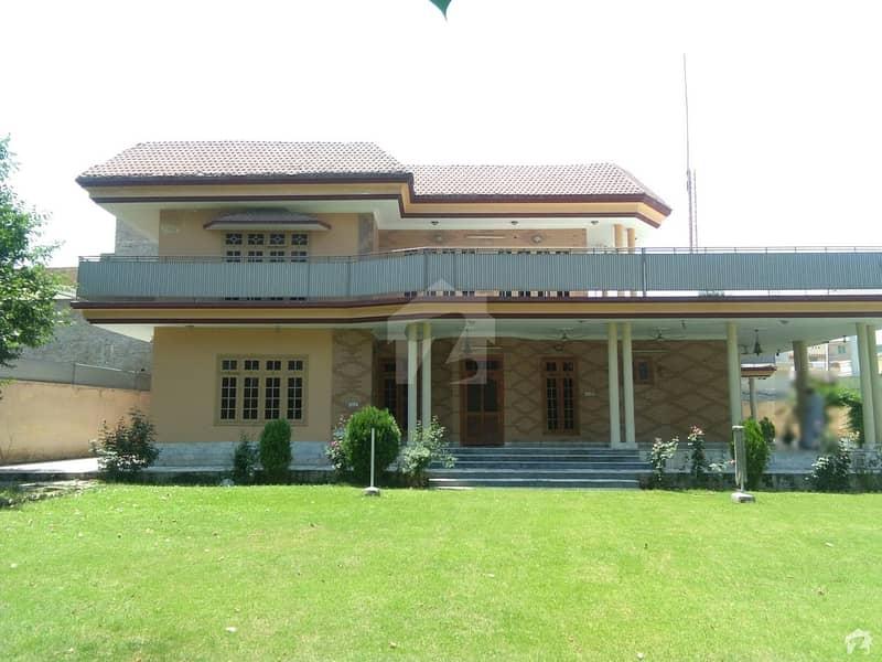 ورسک روڈ پشاور میں 7 کمروں کا 2.7 کنال مکان 5.5 کروڑ میں برائے فروخت۔