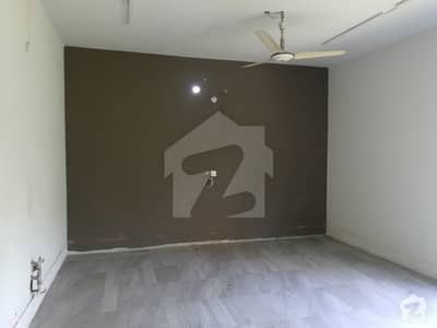 VIP Location Upper Portion For Rent Gulberg 2