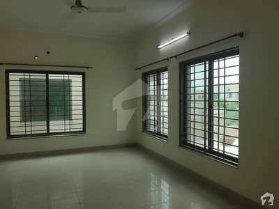 عسکری 9 عسکری لاہور میں 4 کمروں کا 1 کنال مکان 4. 25 کروڑ میں برائے فروخت۔