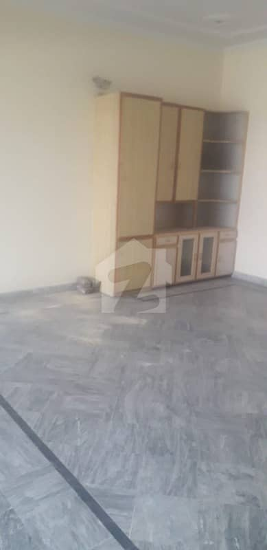10 Marla Lower Portion At Peaceful Atmosphere For Rent